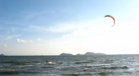 Lung-Kwu-Tan-kite-surfing